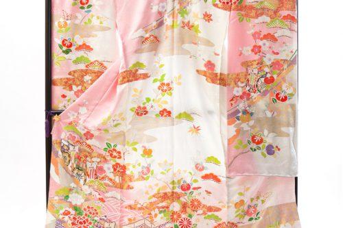 上質の可愛らしいピンクと白の振袖