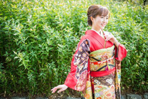 吉澤織物の振袖・赤色
